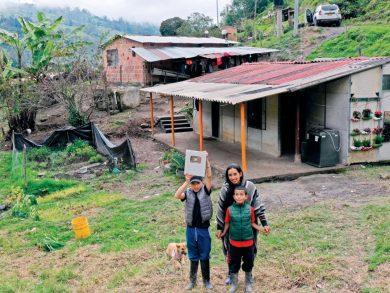 Photo of عائلة مُزارِعة في كولومبيا تغزو «يوتيوب»