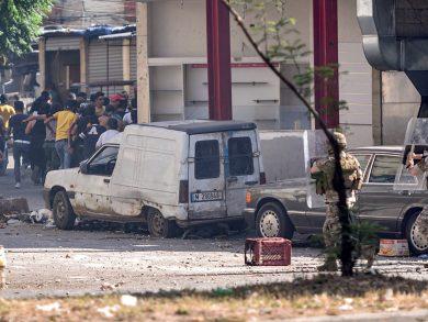 Photo of لبنان: إصابة 120 شخصاً بمواجهات في بيروت وطرابلس