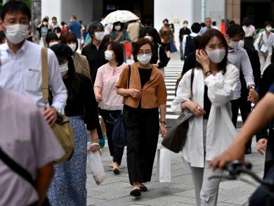 Photo of رئيس وزراء اليابان: فيروس كورونا لا يعترف بالعطلات