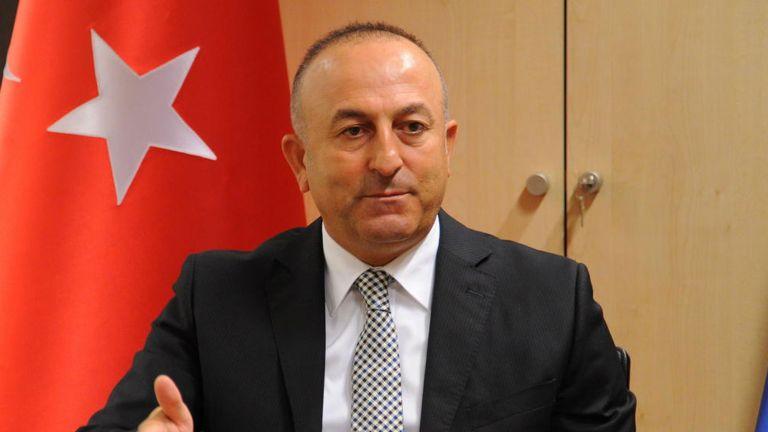 Photo of وزير الخارجي التركي يبحث مع نظيريه البريطاني والفنلندي التطورات في أفغانستان