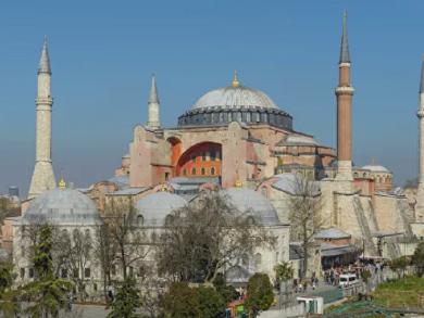 Photo of حدث تاريخي في تركيا .. تحويل آيا صوفيا إلى مسجد