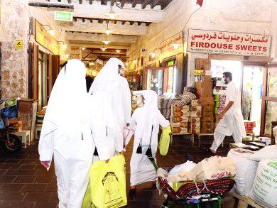 Photo of العيد يُنعش حركة الأسواق الشعبية