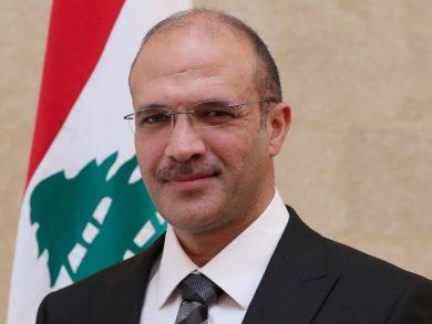 Photo of وزير الصحة اللبناني: عشرات القتلى وآلاف الجرحى جراء انفجار مرفأ بيروت