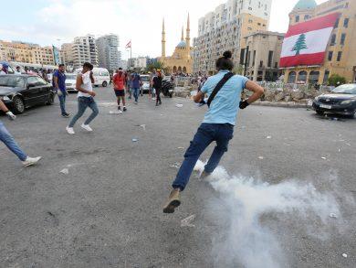Photo of عشرات الإصابات في مواجهات بين قوى الأمن اللبناني ومحتجين