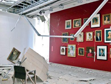 Photo of الانفجار يعصف بأبنية بيروت الأثرية