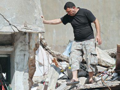 Photo of الموت يلاحق أسرة سورية هاربة من الحرب بانفجار بيروت
