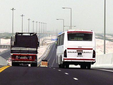 Photo of تجاوزات الشاحنات تهدّد حياة روّاد الطريق