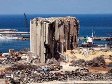 """Photo of """"التعليم فوق الجميع"""" واليونسكو تسهمان في تأهيل 55 مدرسة و3 جامعات تضررت من انفجار بيروت"""