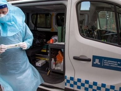 Photo of ارتفاع إصابات كوفيد-19 في السويد بتسجيل 15779 حالة اليوم