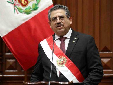 Photo of رئيس بيرو المؤقت يقدم استقالته بعد 5 أيام فقط من توليه المنصب