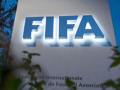 Photo of الـ FIFA يطلق برنامجًا لحماية اللاعبين