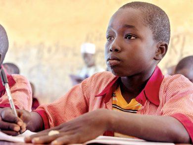 Photo of مؤسسة التعليم فوق الجميع توفر رعاية صحية لأطفال نيجيريا