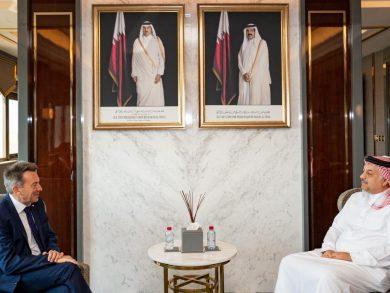 Photo of وزير الدولة لشؤون الدفاع يلتقي رئيس اللجنة الدولية للصليب الأحمر