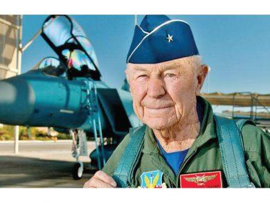 Photo of وفاة الأمريكي تشاك ييغر أول طيار يكسر حاجز الصوت