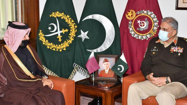 Photo of وزيرا الخارجية والداخلية وقائد أركان الجيش بباكستان يجتمعون مع المبعوث الخاص لوزير الخارجية