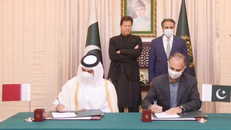 Photo of قطر للبترول توقع اتفاقية طويلة الأمد لتوريد 3 ملايين طن سنويا إلى باكستان