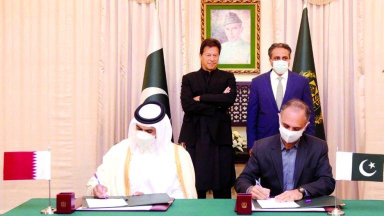 Photo of قطر للبترول تزوّد باكستان بـ 3 ملايين طن غاز سنويًّا