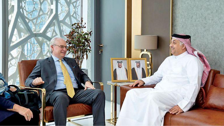 Photo of د. خالد العطية يجتمع مع المبعوث الأمريكي الخاص إلى اليمن