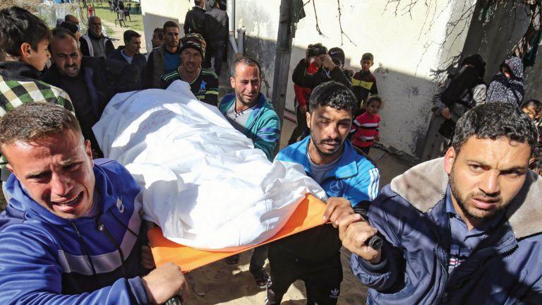 Photo of استشهاد 3 صيادين في غزة