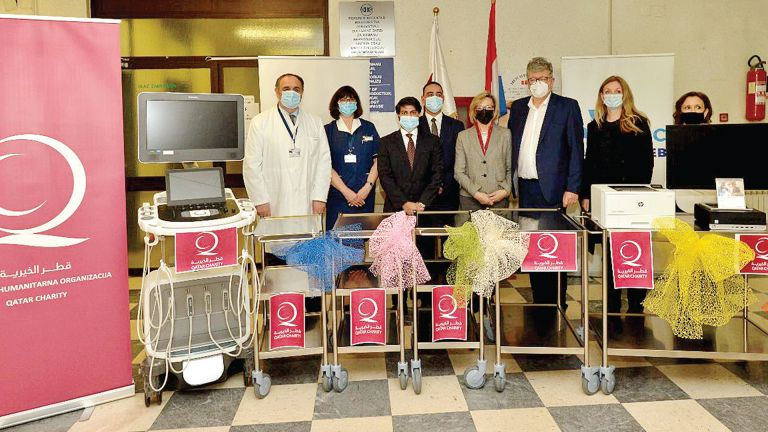 Photo of مساعدات طبية قطرية إلى كرواتيا