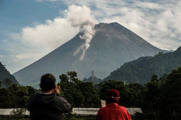 Photo of ثوران بركان جبل  ميرابي  في إندونيسيا