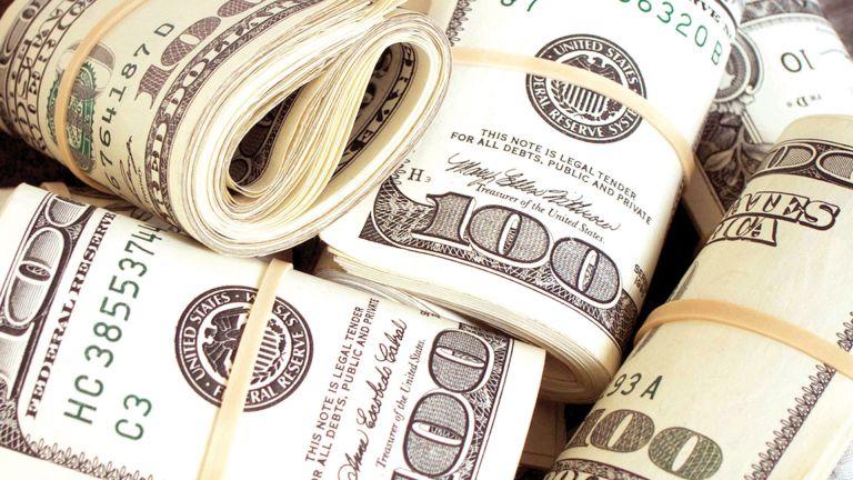 Photo of الدولار إلى أفضل مستوى في أسبوعين