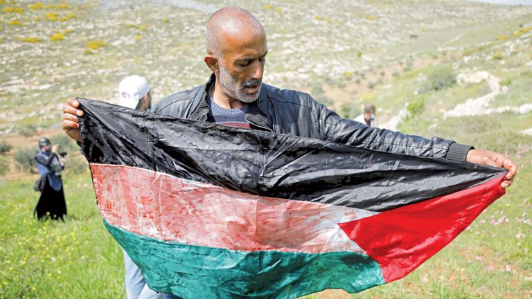 Photo of فلسطين تطالب المجتمع الدولي بإنقاذ الأسرى