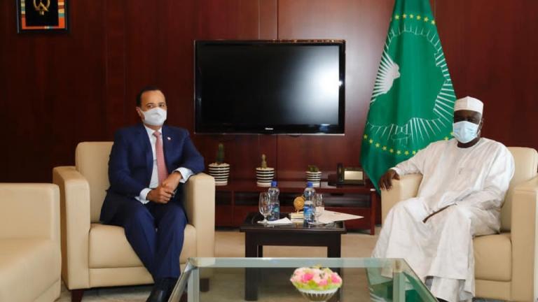 Photo of رئيس مجلس الشورى يبعث رسالة خطية إلى رئيس مفوضية الاتحاد الأفريقي