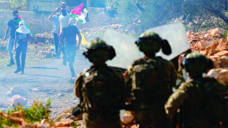 Photo of استشهاد طفل فلسطيني برصاص قوات الاحتلال جنوب نابلس