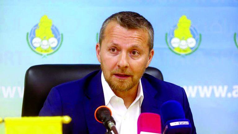 Photo of شيفلد يفاوض مدرب الغرافة
