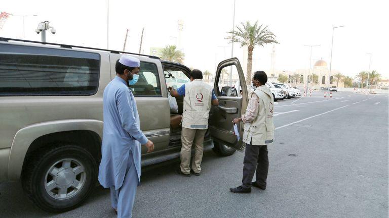 Photo of قطر الخيرية توزّع مساعدات لمتضرري كورونا