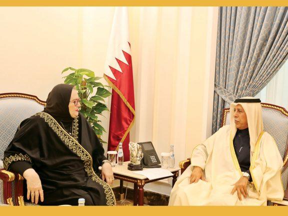 Photo of رئيس الشورى يجتمع مع سفيرة البوسنة والهرسك