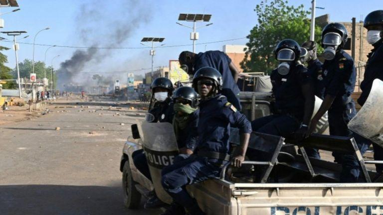 Photo of النيجر تُحبط محاولة انقلابية وتعتقل عسكريين