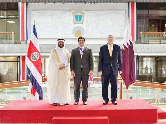 Photo of رئيس كوستاريكا يتسلم أوراق اعتماد سفيرنا