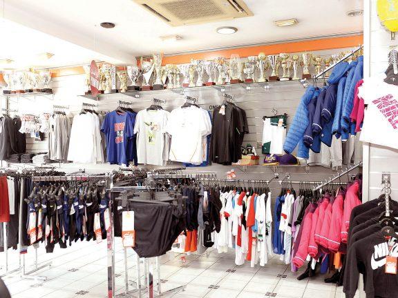Photo of ارتفاع مبيعات الملابس والأجهزة الرياضية