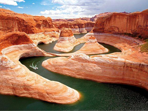 Photo of انخفاض المياه في نهر كولورادو