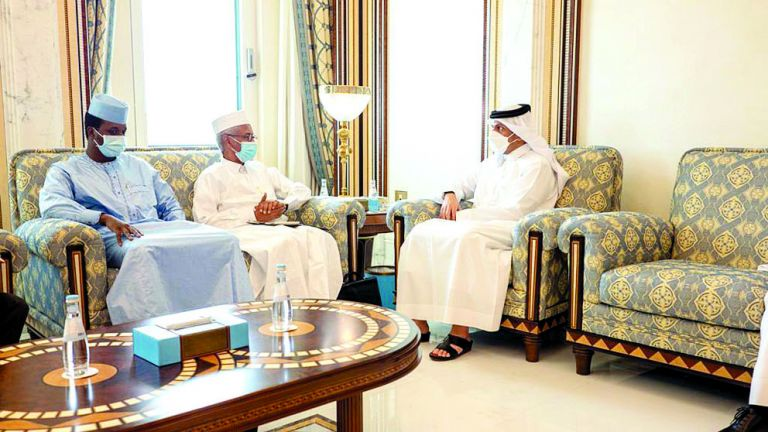 Photo of نائب رئيس الوزراء ووزير الخارجية التشادي يستعرضان العلاقات