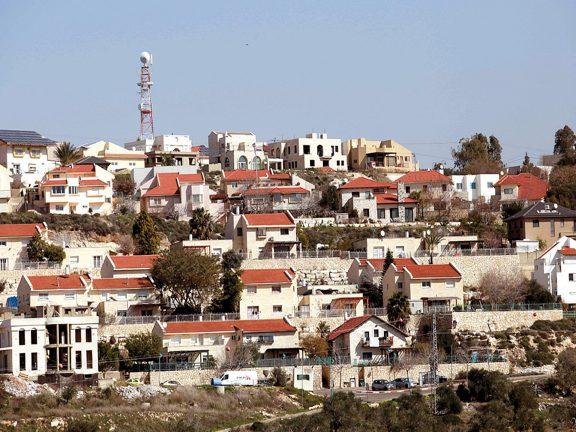 Photo of الاحتلال ينهش قلقيلية ببراثن المخططات الاستيطانية