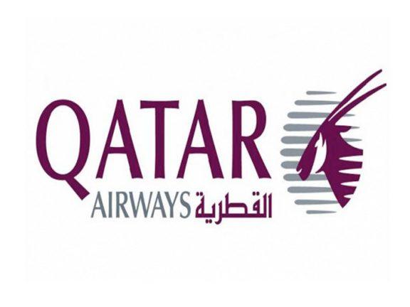 Photo of القطرية: الرياح تحرك طائرة متوقفة بالمطار