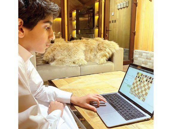 Photo of أمريكي يفوز ببطولة «معاً نستطيع» للشطرنج