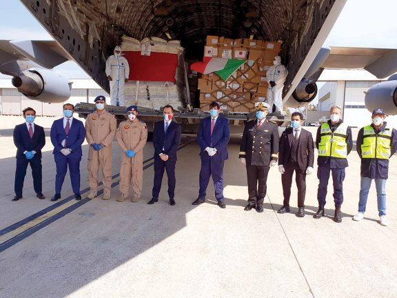Photo of 29 طناً من المساعدات الطبية القطرية تصل إيطاليا