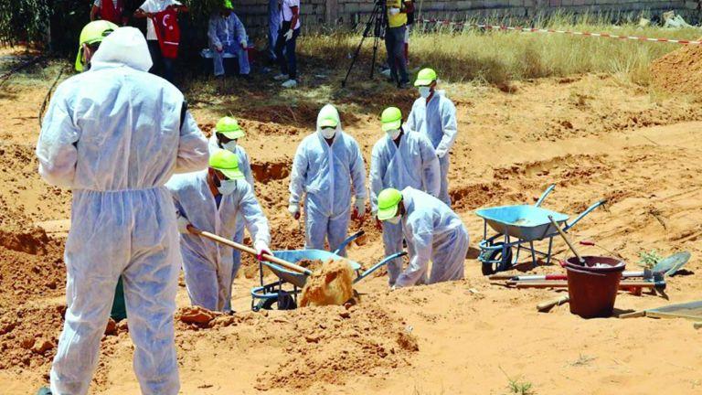 Photo of العثور على جثث عائلة قتلتها قوات حفتر في ترهونة