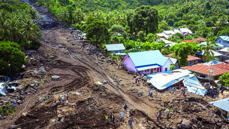 Photo of إعصار جديد يهدد إندونيسيا بالفيضانات