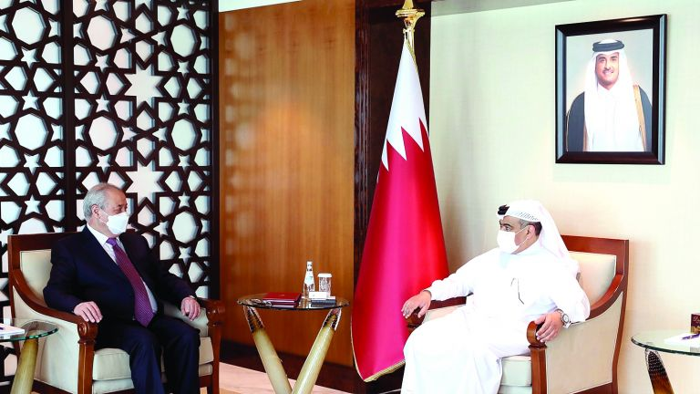 Photo of قطر وأوزبكستان تعززان التعاون التجاري