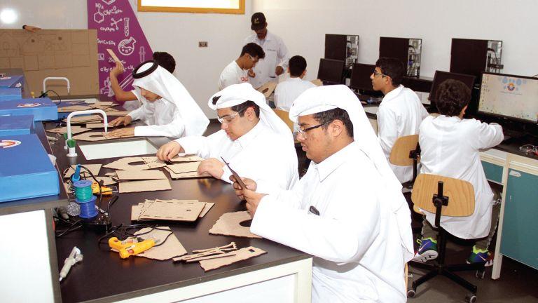Photo of تجارب تفاعلية بالنادي العلمي في رمضان
