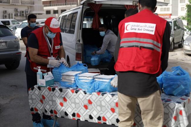Photo of الهلال الأحمر القطري يلبي احتياجات الفئات الأولى بالرعاية خلال الشهر الفضيل