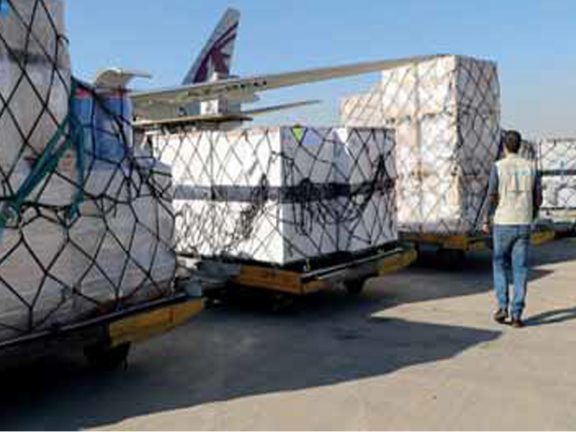 Photo of القطرية تنقل شحنات طبية إلى إيران