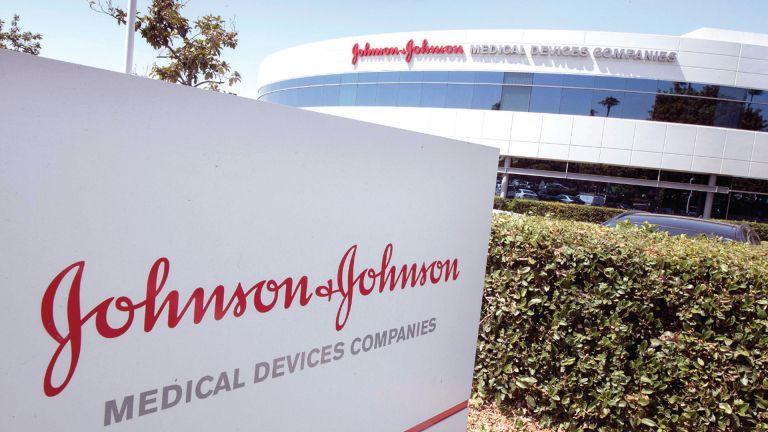 "Photo of منها ""جونسون آند جونسون"".. اجبار 4 شركات أدوية على دفع 26 مليار دولار لانهاء أزمة في أمريكا..!"