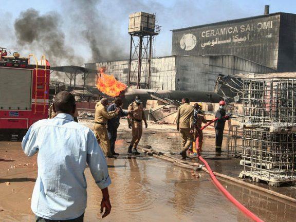 Photo of مصرع 15 شخصا إثر اندلاع حريق كبير في الخرطوم