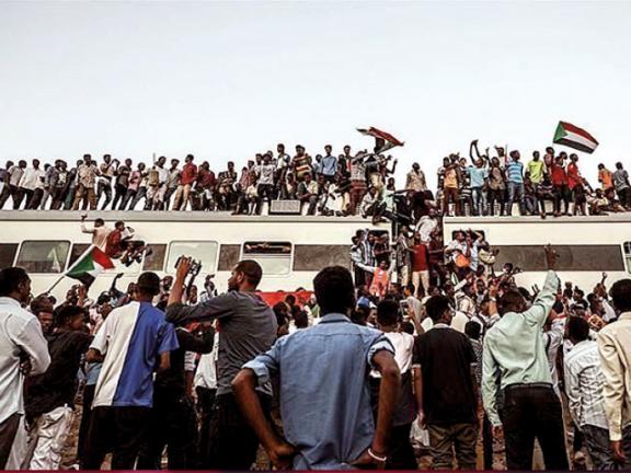 Photo of خبير أمريكي: الطريق لا يزال طويلاً لإلغاء عقوبات السودان